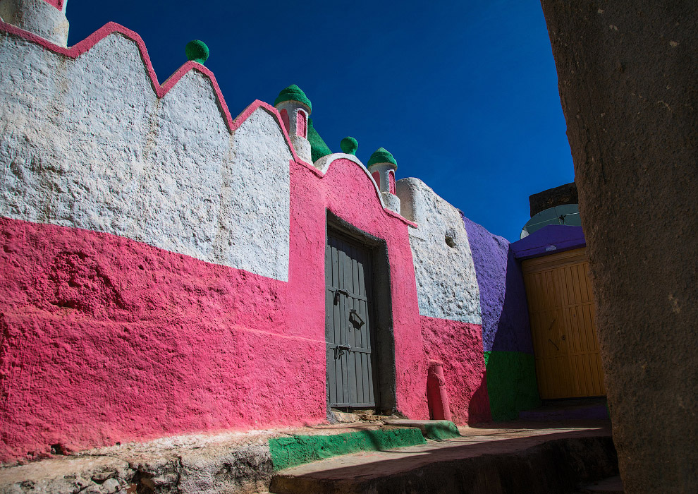 Разноцветная мечеть в Хараре, Эфиопия