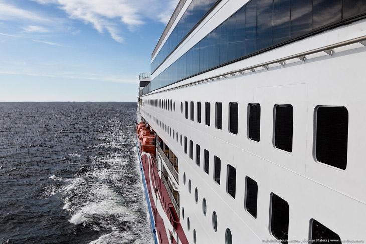 Экскурсия на большой современный корабль Viking Grace