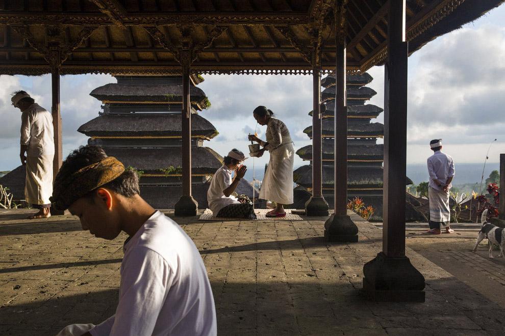 Храм на склонах горы Агунг на Бали