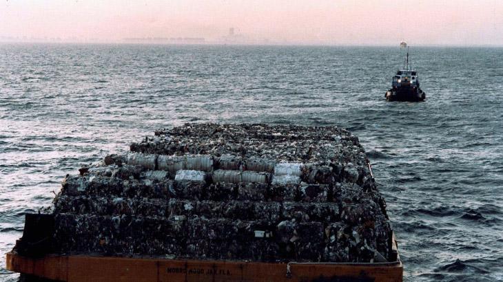 Вонючий Голландец: путешествие мусора из Нью-Йорка за 9500 км и обратно