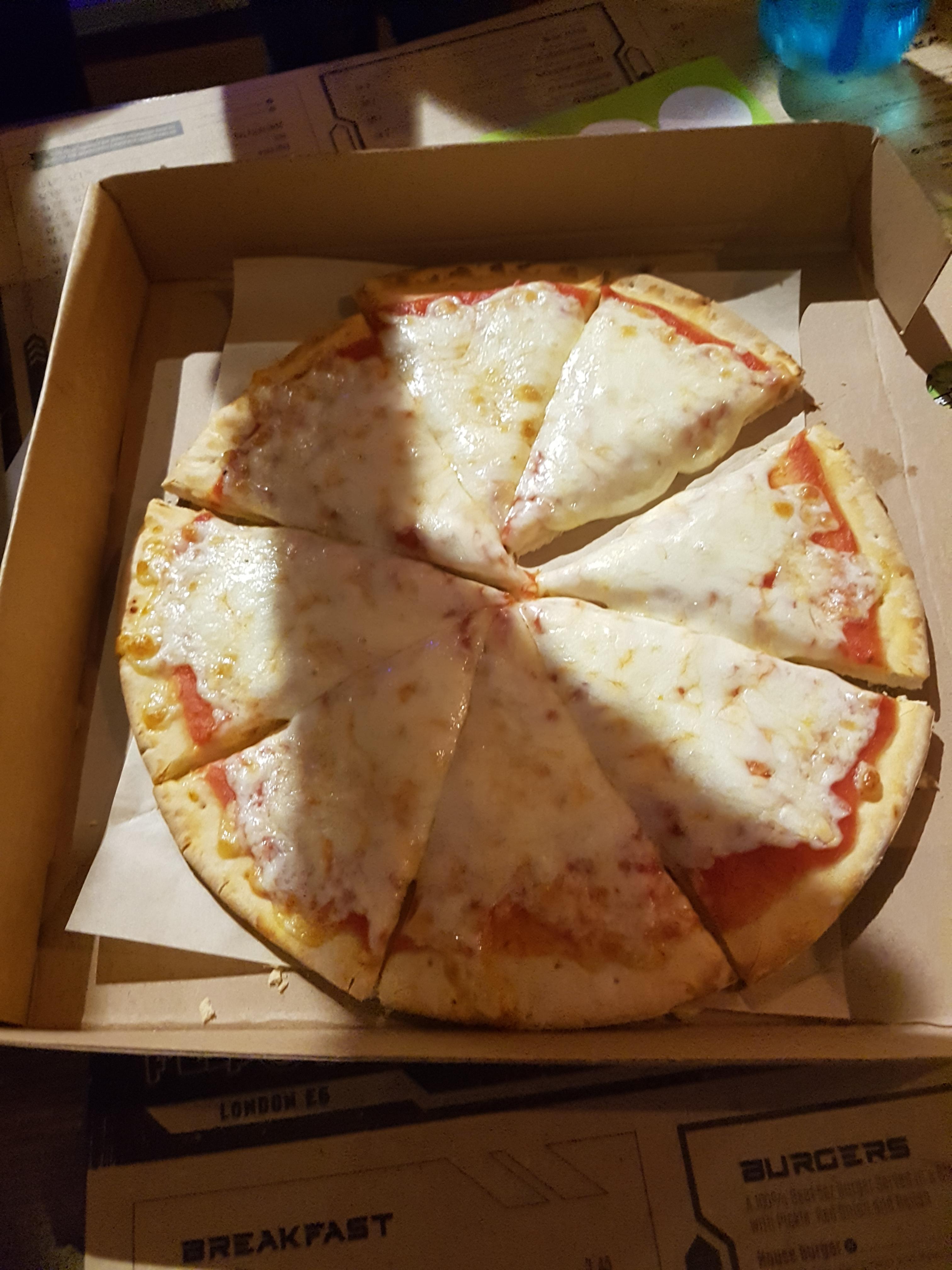 Flip Out E6 pizza