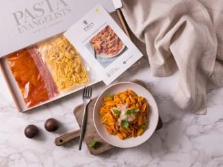 Pasta box and dish