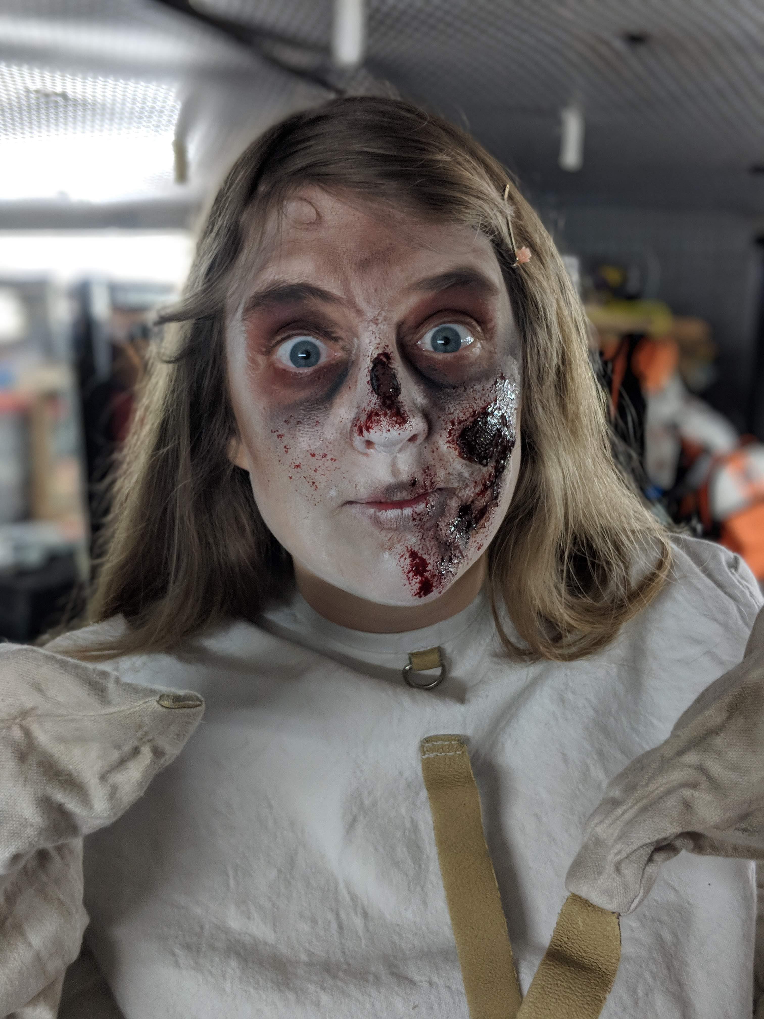 London Tombs - Joanne as a zombie
