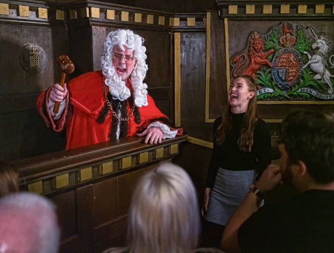 London Dungeons court
