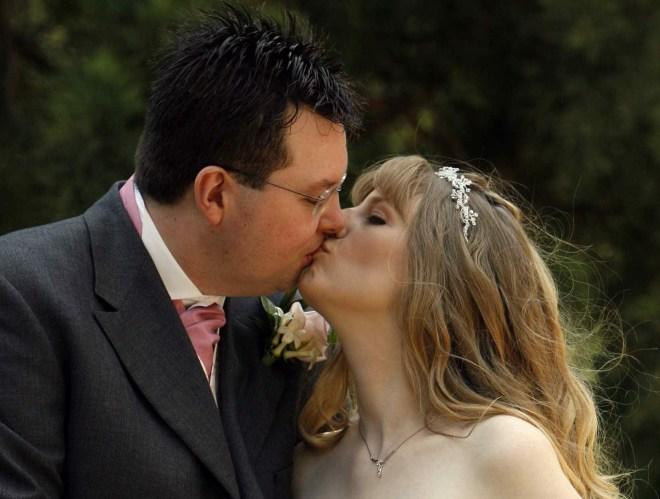 Chocface Jason and Joanne Wedding Day 070707 the kiss