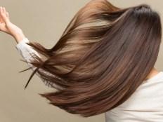 躍動感ある髪 アッシュカラーの髪色