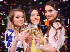 30代で恋人ができない3人の女性