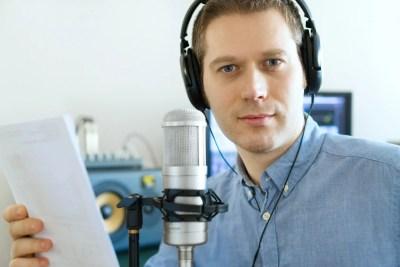 声優 声を仕事にする男性
