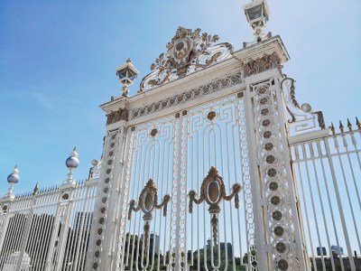 迎賓館赤坂離宮の荘厳な門