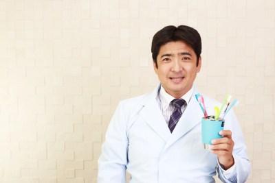 歯磨きを推奨する歯科医