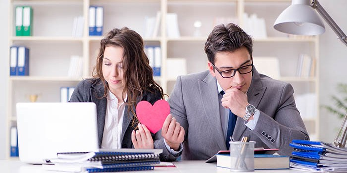 romantic relationships at work dos and don'ts