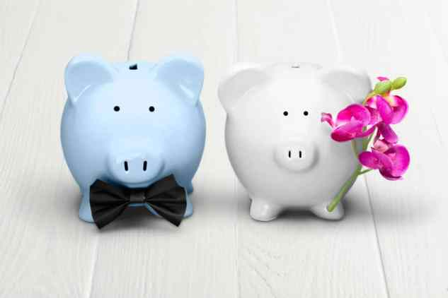 how to handle finances in a relationship
