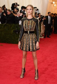 Rosie Huntington Whiteley de Balmain