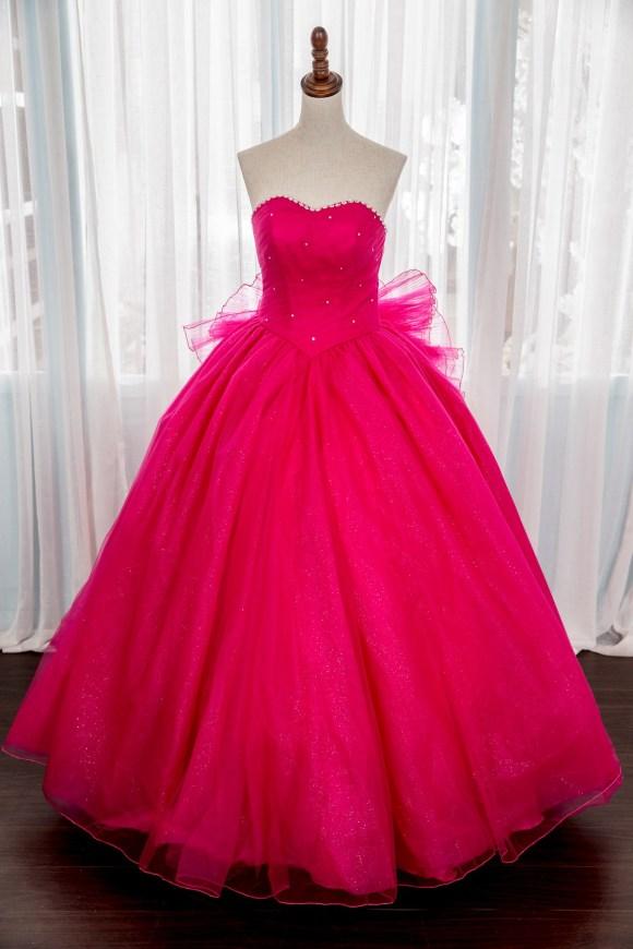 禮服出租:頂級手工晚禮服系列。紅色V腰顯瘦晚禮服