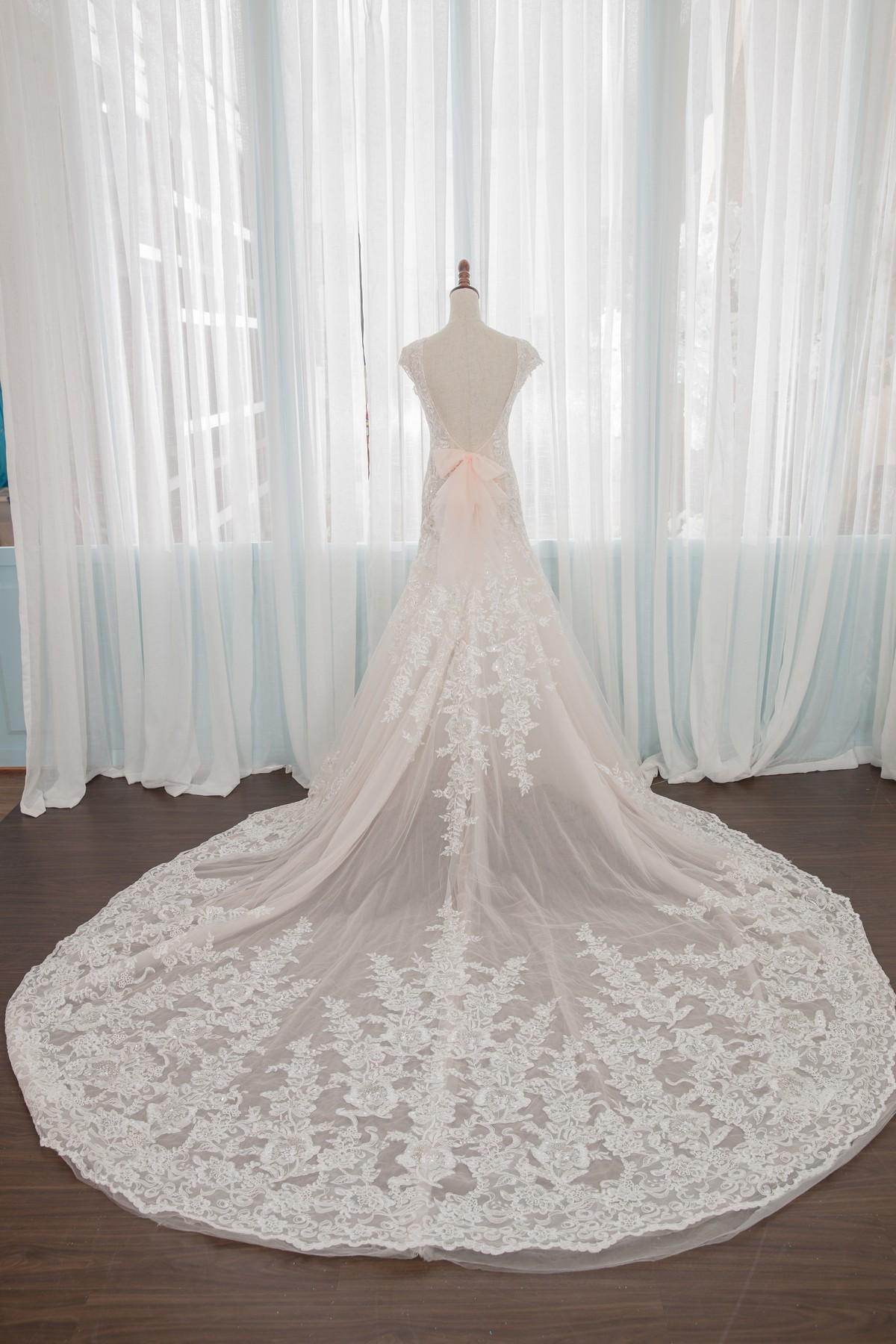 手工婚紗:宮廷風華麗復古蕾絲白紗。超長拖尾氣勢後拖擺 [全新款開放拍照使用]