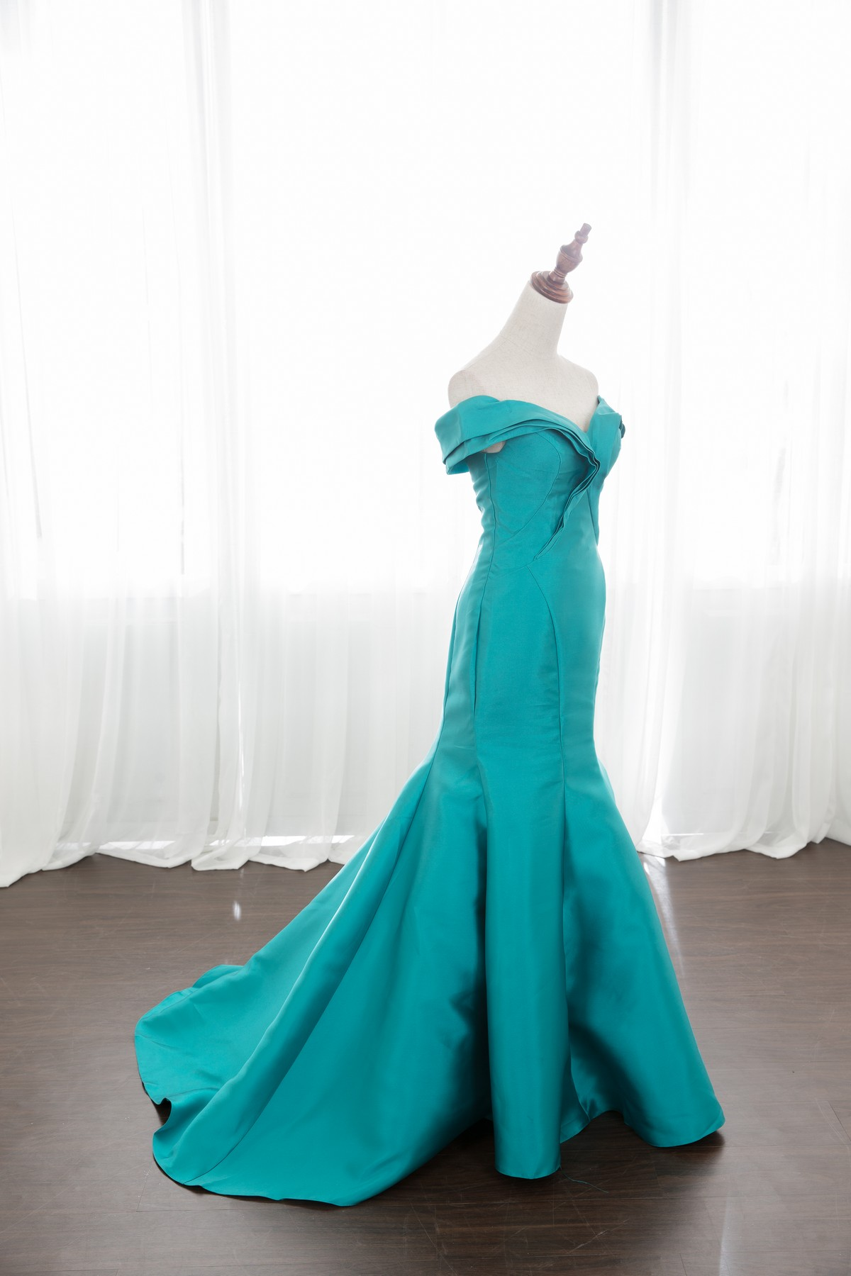 禮服出租:碧綠斷面卡肩魚尾晚禮服[全新開放使用]