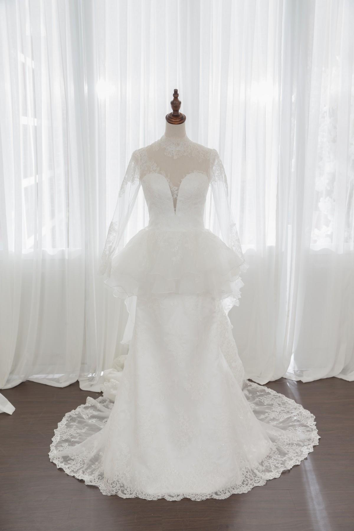 手工婚紗:華麗復古蕾絲白紗。超長拖尾氣勢後拖擺 [全新款開放使用]