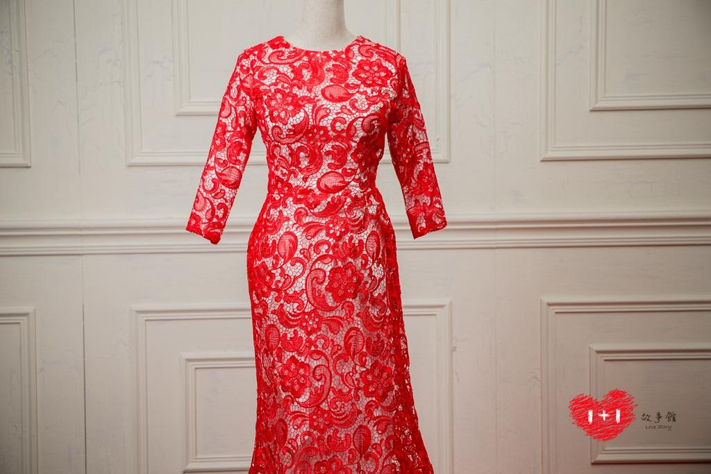 手工婚紗:迷人羽毛晚禮服