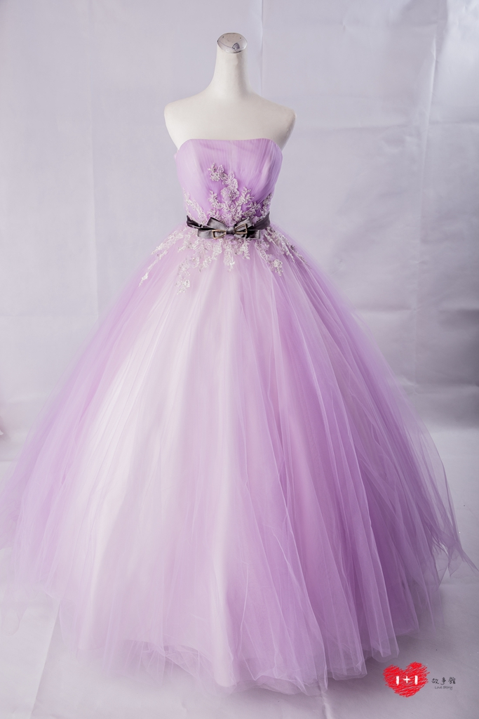 手工婚紗出租:金緞珠花蕾絲晚禮服