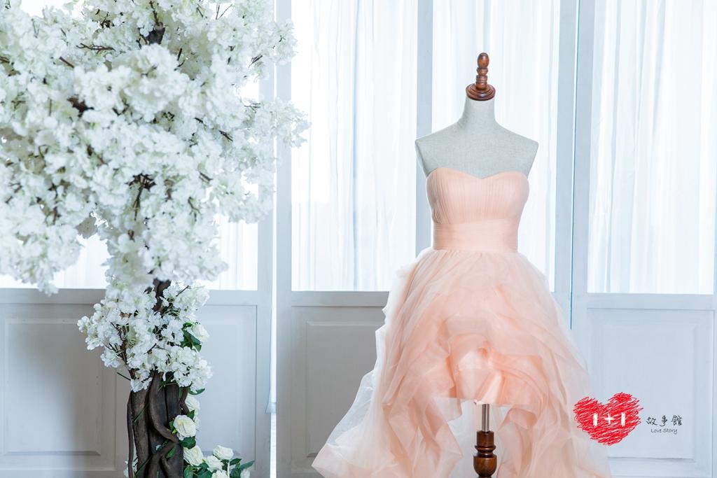 手工婚紗推薦:飄逸特色印花晚禮服