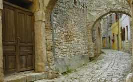 Jerusalem_old_streets-wallpaper
