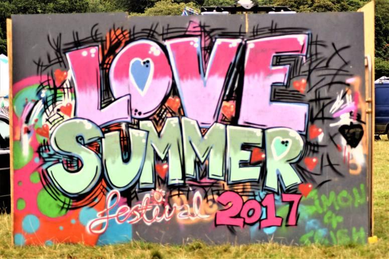 Love Summer 2017 - Graffiti.jpg