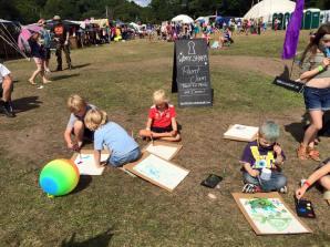 Love Summer Festival - Workshops - Art 21