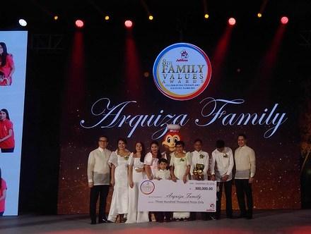 Teacher Insights: Jollibee honors families' value-driven advocates in 8th Jollibee Family Values Awards
