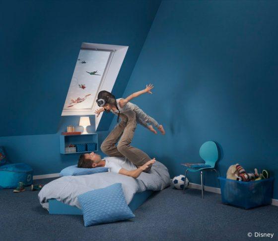 Slapen in een donkere kamer, dakraam gordijnen, verduisterend, disney