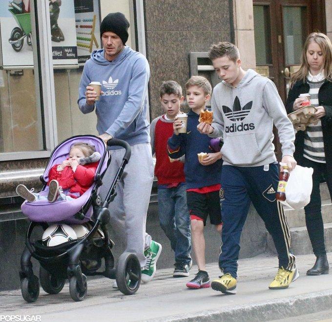 David Beckham is papa van Brooklyn , Romeo, Cruz & Harper!