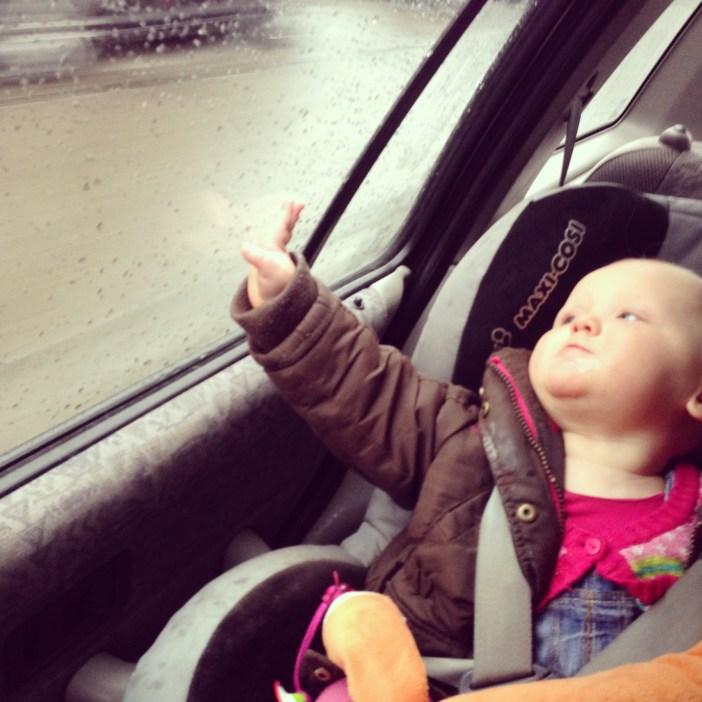 Al vroeg rijden we naar Zurich. Omdat Liza het niet leuk meer in haar Maxi Cosi vond, zit ze dus vanaf vandaag in de volgende autostoel. Dat ging verbazingwekkend goed!