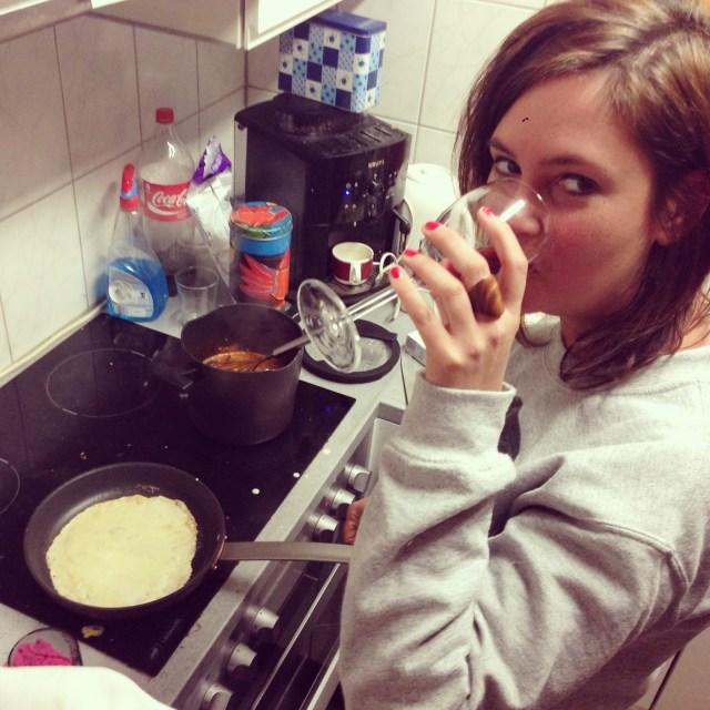 Ik zei het al: Isabelle is er! Ze mocht gelijk pannenkoeken bakken!