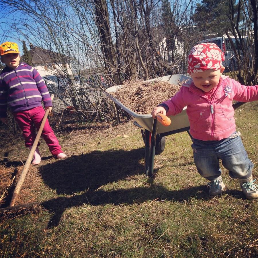 Op dinsdag hebben  we het rijk weer eens voor ons alleen en nemen we de tuin onderhanden!
