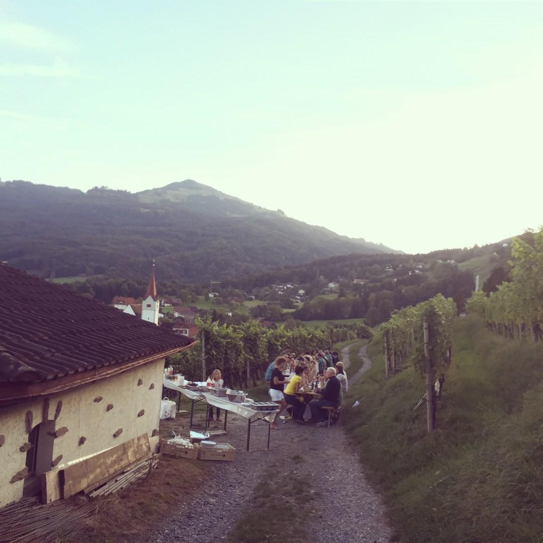 Vrijdagavond hebben we een bijeenkomst voor nieuwe bewoners op het mooiste plekje van het dorp.