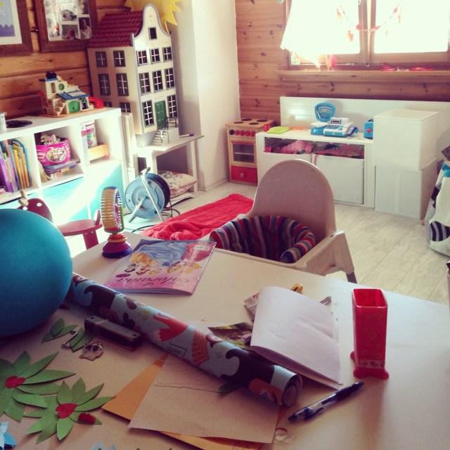 Als Liza dan slaapt middags, ruim ik de speelkamer op en verander hem toch weer.