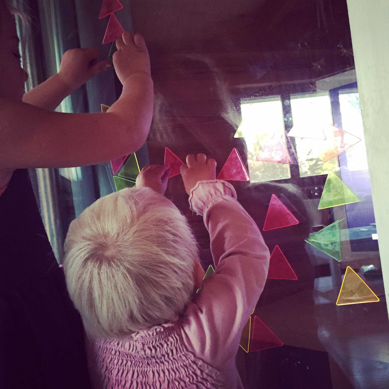 En aan het einde van de middag zijn de kinderen ook weer blij binnen. En ik had net de ramen gezeemd ) Klik hier voor meer informatie over deze raamstickers