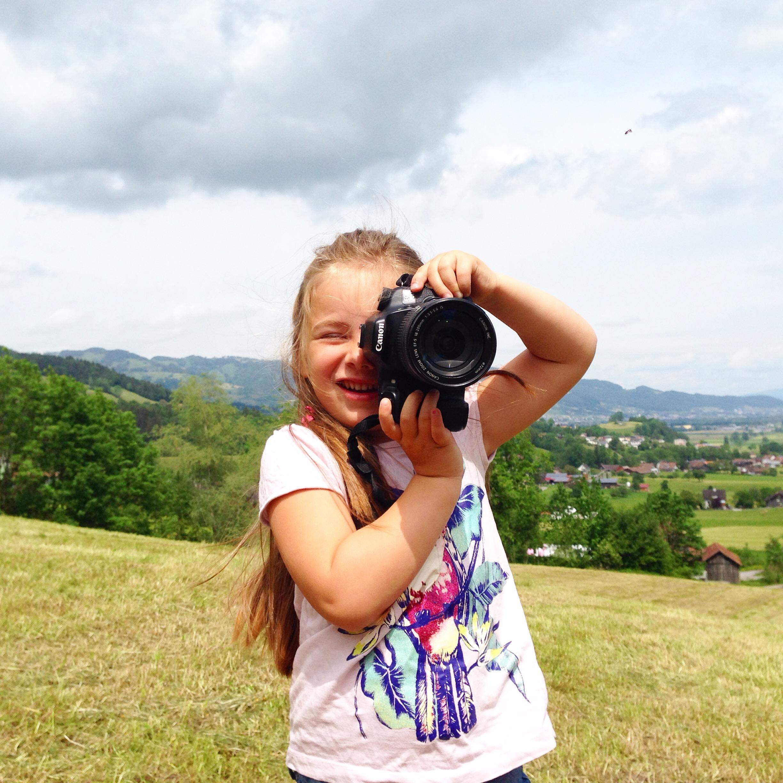 's Middags gingen we vliegeren, maar was Eva vooral ook in de weer met mijn camera. Fotografe in spe!