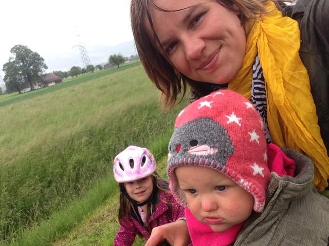 Het goot op donderdag en na een dag tv kijken, besloten we te gaan fietsen (in de regen)