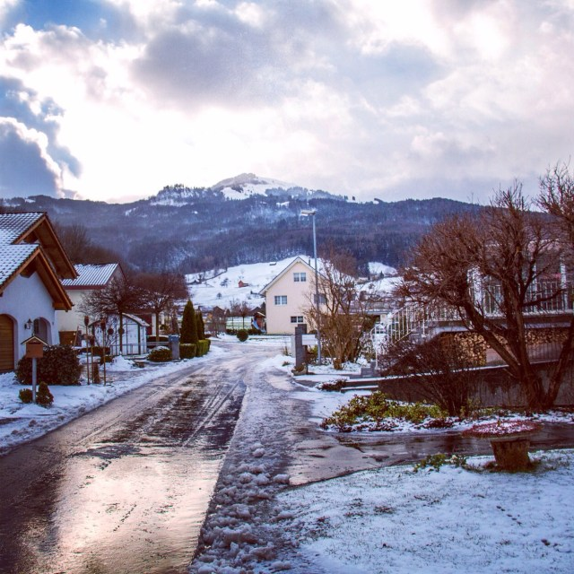 Aan het eind van de middag was veel sneeuw verdwenen, naar we hebben in ieder geval een beetje lol gehad.