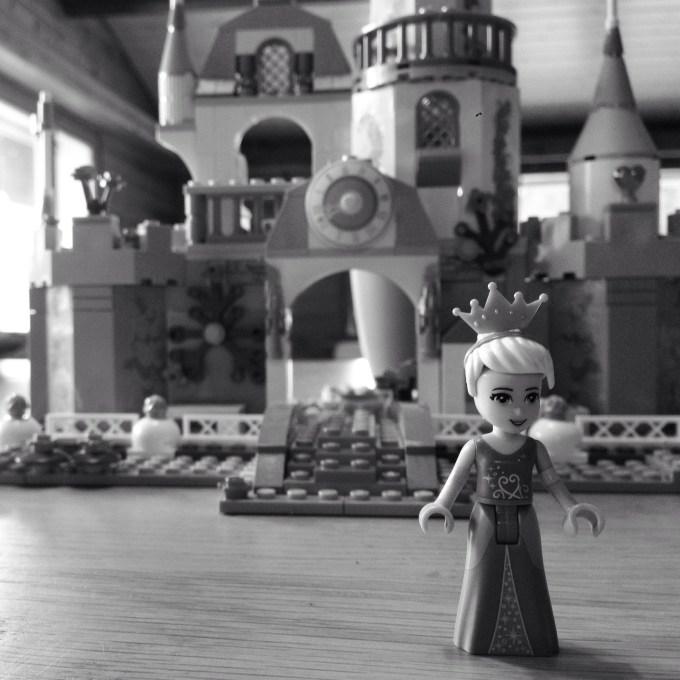 We speelden met lego (en hadden ruzie met de pruik van Assepoester)
