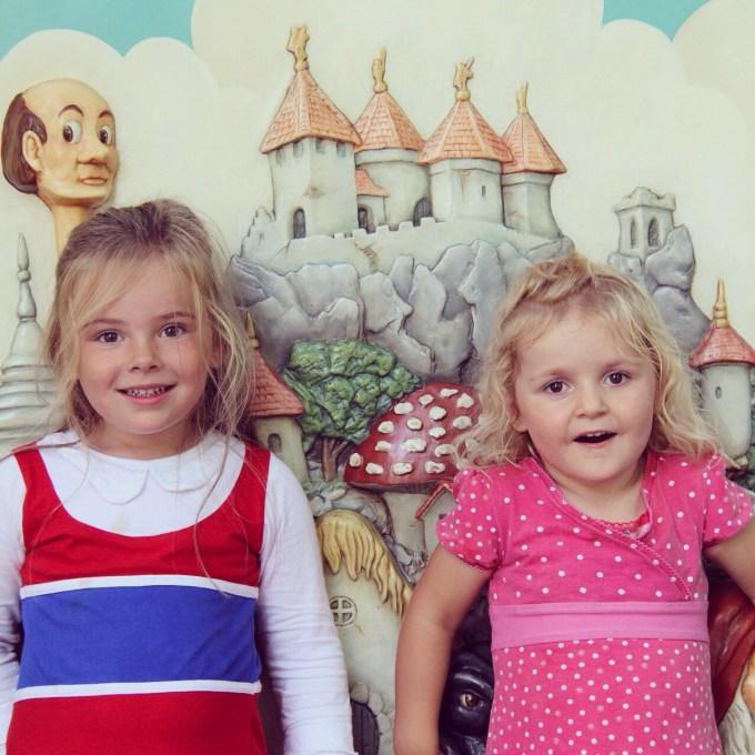 Eva en Nina nog even samen op de foto voordat we weer naar huis gaan.