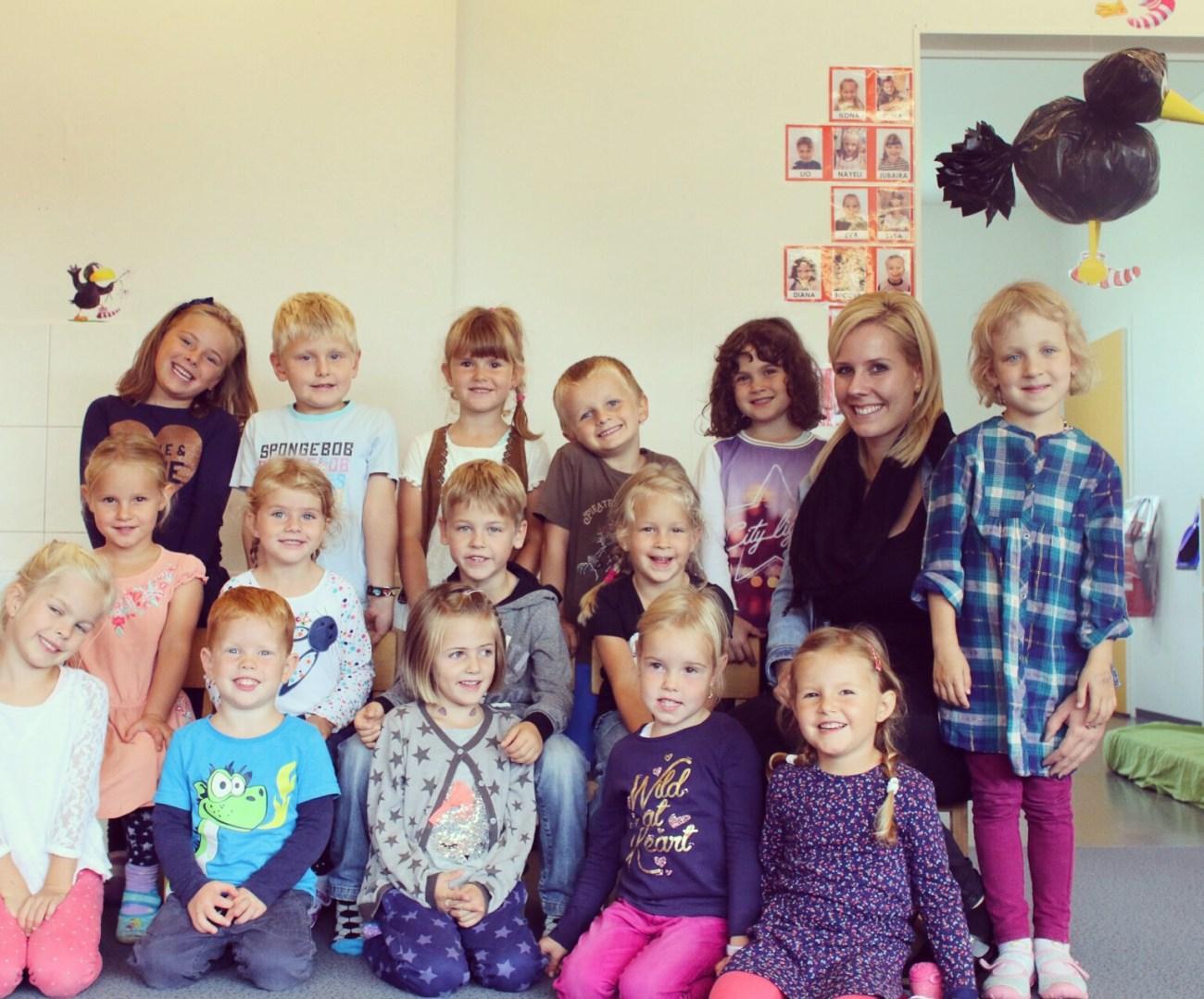 Ik fotografeerde dinsdag terwijl Liza op de Spielgruppe op Eva's school. Leuke opdracht! Dit is trouwens Eva's klas