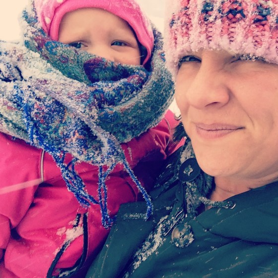 Voor Liza niet, ze vond de sneeuw in dr gezicht helemaal niks.