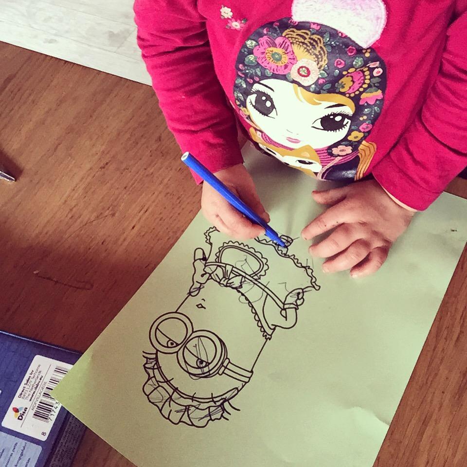 Als Eva sport dan tekent Liza nog een 'mimi' en daarna gaan we lekker naar buiten.