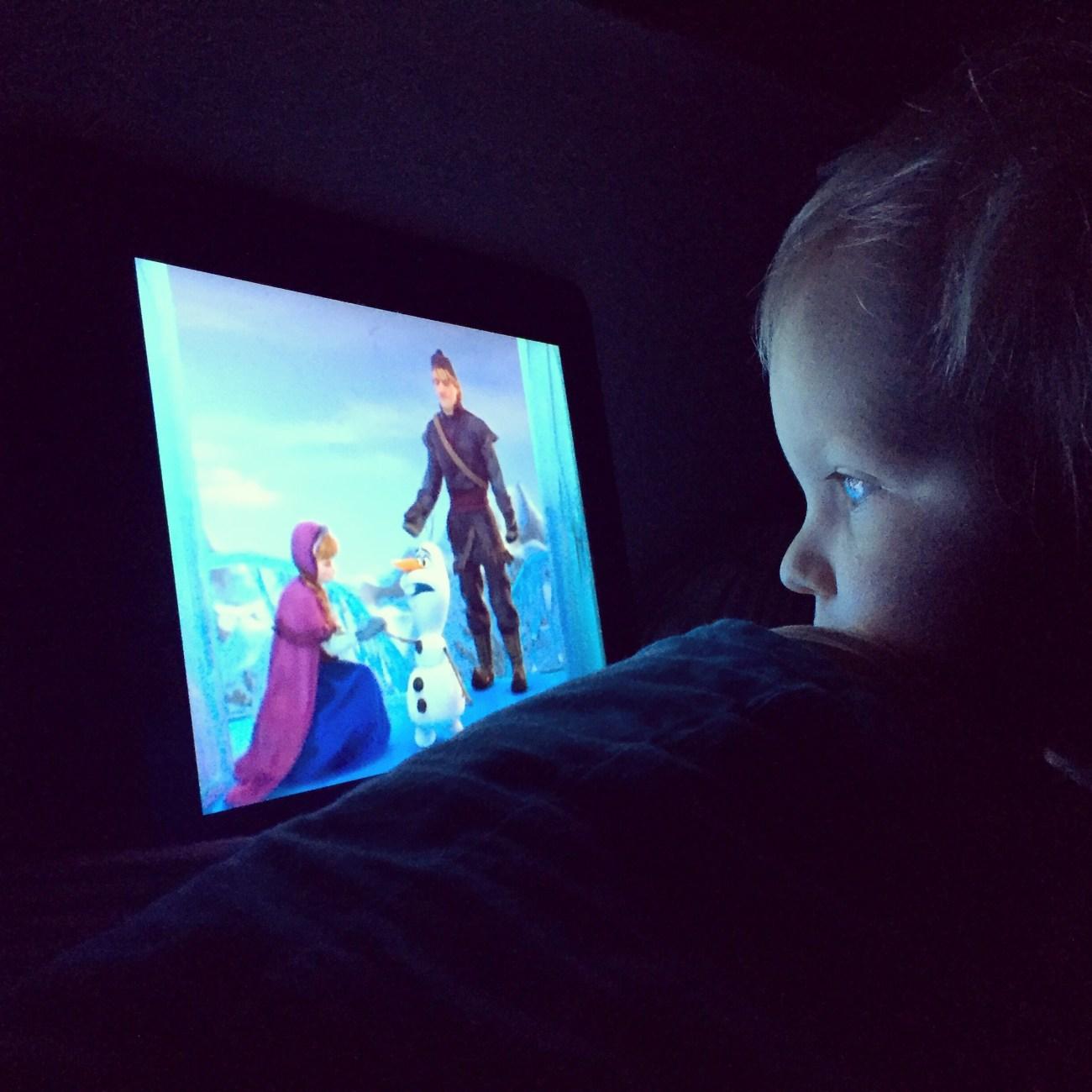 Sommige ochtenden beginnen echt te vroeg. Of ik kan niet uit mijn bed komen. Dan maar Frozen, start ik tenminste nog een beetje relaxed op.