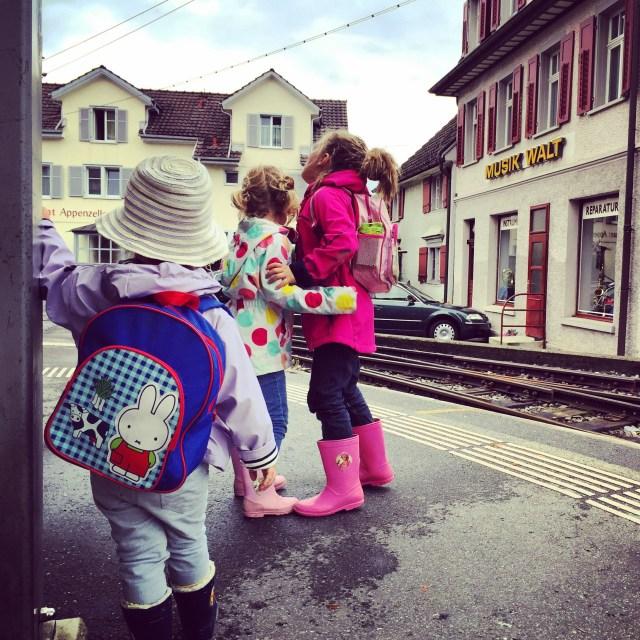 We gaan met deze avonturiers de trein in!