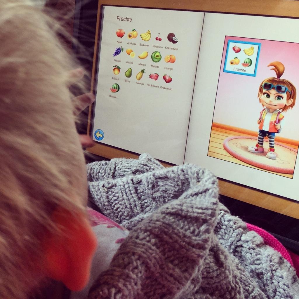 Middags leert ze zichzelf Duits aan. Zo leuk dat ze zelf deze app er steeds bij pakt!