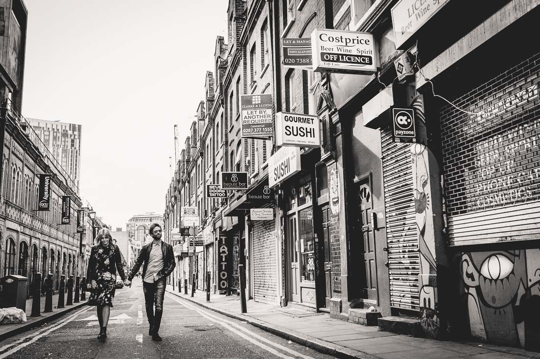 Fun and funky London engagement session