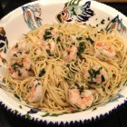 Pasta with shrimp, olive oil, parsley and white wine