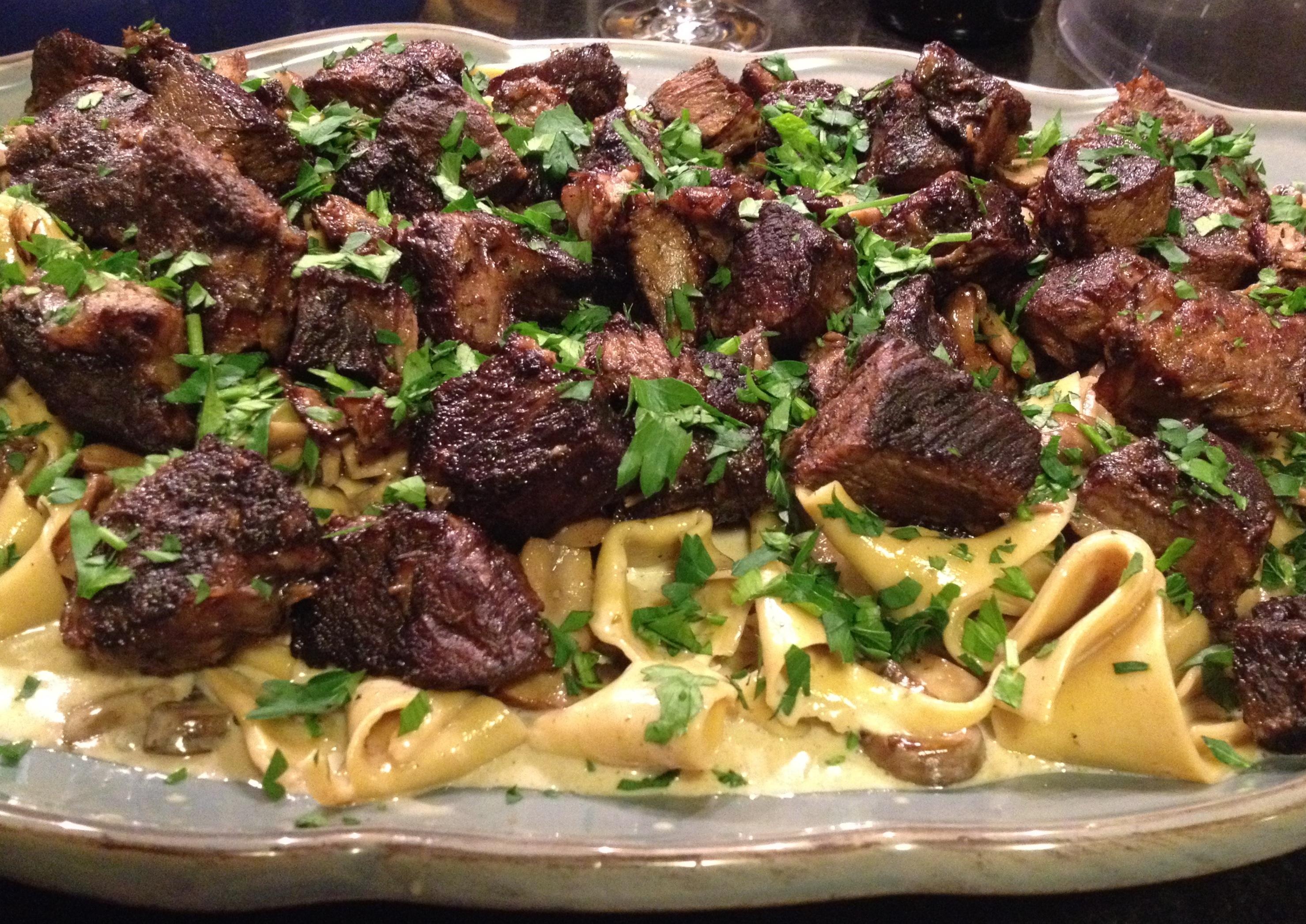 Beef stroganoff side view platter